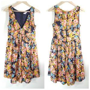 Tommy floral party dress Sz 6 deep v sleeveless